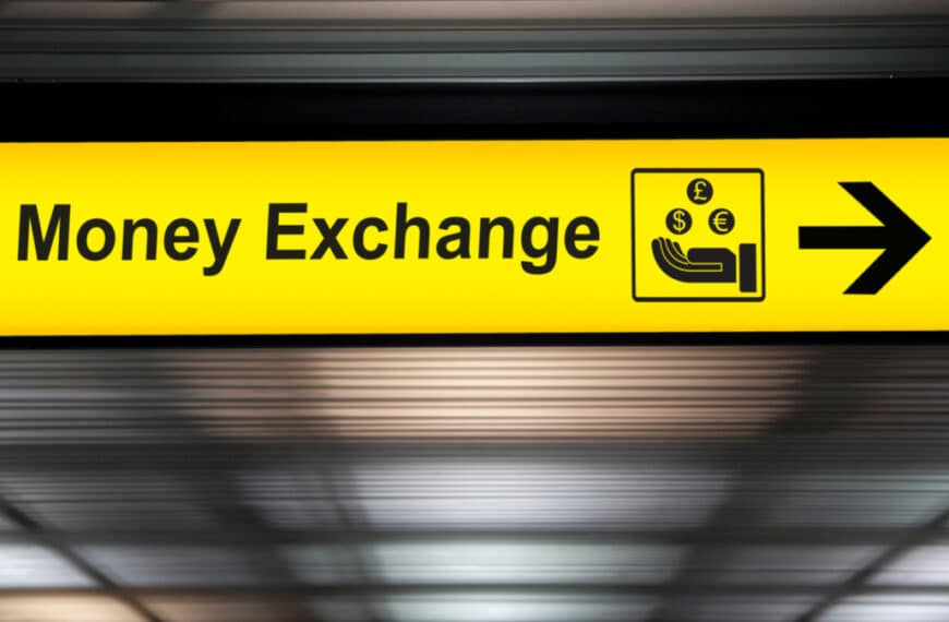 Currency Exchange: How to save money